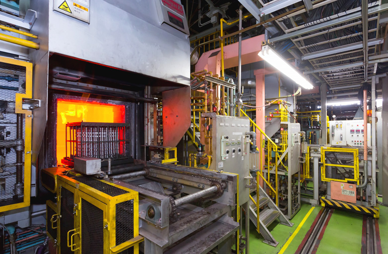 Continuous gas carburizing furnace