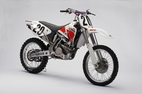 "Powertrains 4-Stroke Motocrossers The Pioneering ""4-Stroke"" - Yamaha"