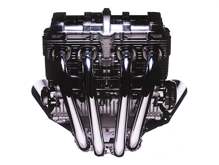 The XJR1300's air-cooled 4-valve engine(1998 year model)