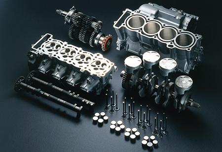 The YZF-R1's liquid-cooled DOHC 5-valve engine (1998 year model)